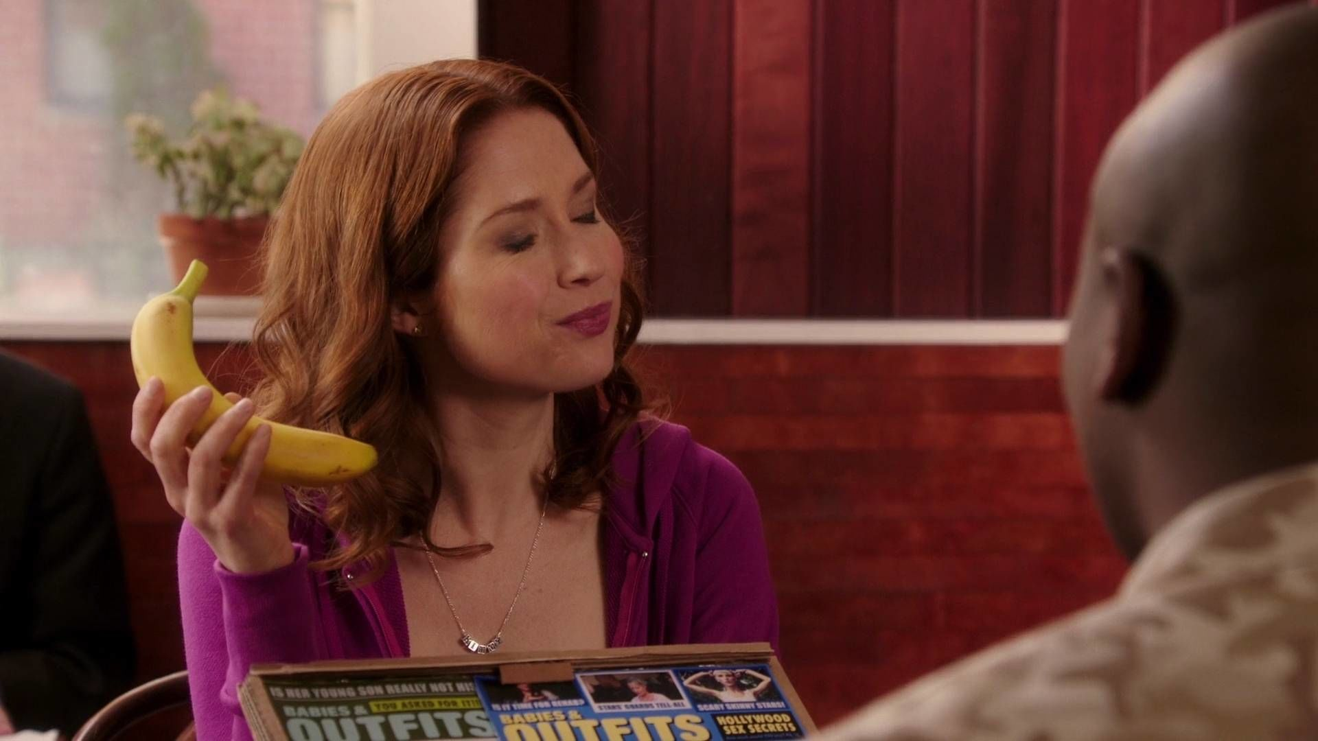 Unbreakable Kimmy Schmidt S1E7 Kimmy Goes to a Party!